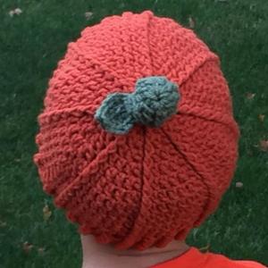 crochet pumpkin hat pattern - blog image 3 leaf
