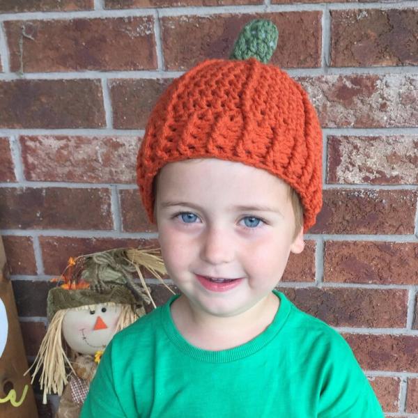 crochet pumpkin beanie - toddler feature image