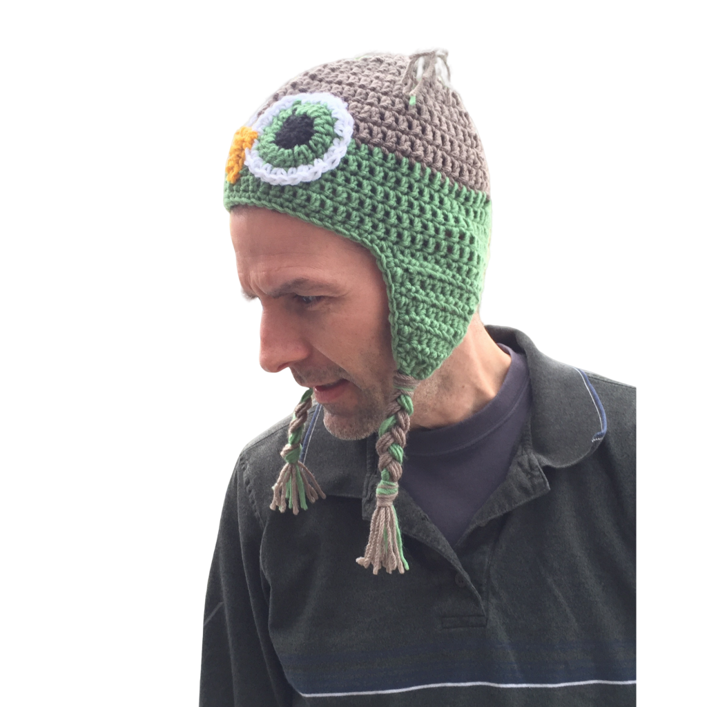 green owl crochet hat image 09